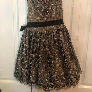 Jessica McClintock Black and Gold Short Dress
